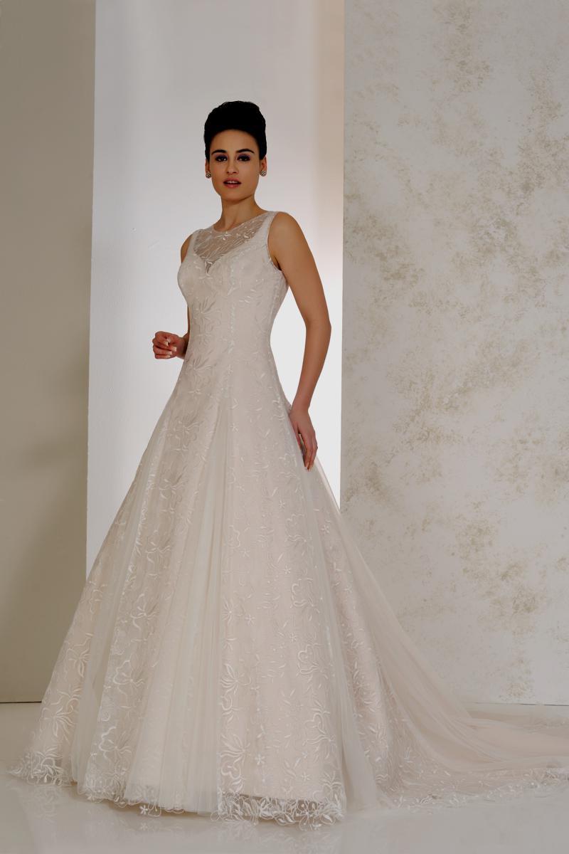 Karen George Wedding Dresses | Wedding Days of Cheltenham